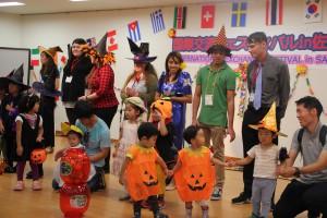 催しの1つ「ハロウィン仮装」。子どもも、大人も思い思いの仮装で登場した